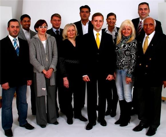 In februarie 2010 am candidat pe listele Partidul Liberal din Köln pentru Consiliul Consultativ al Migrantilor. Sase (6) voturi valabil exprimate mi-au lipsit pentru castigarea mandatului.